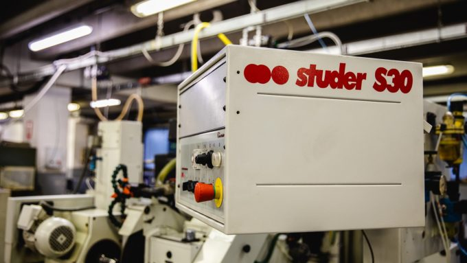 The cylindrical grinding machine Studer S30