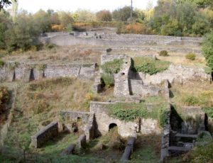 rovine Dark Hill