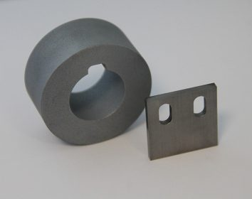 Roller and blade for forming and cutting